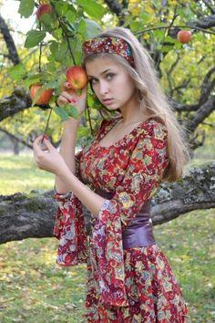 Russian Beauty, Russian Fashion, Estilo Cowgirl, Fashion Models, Girl Fashion, Ukraine Women, Portrait Photography Poses, Mexican Dresses, Cute Girl Face