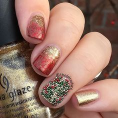 Caviar beads Christmas Nail Art  Gradient using @chinaglazeofficial Mingle With Kringle and @picturepolish Bridget stamped with @moyou_london plate 01 and @mpolishes Elizabethan. Caviar pearls are @ciatelondon Christmas Tree Caviar