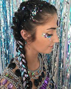 Gypsy glitter festival hair festival season festival hair, c Coachella Festival, Festival Braid, Coachella Hair, Coachella Looks, Edm Festival, Festival Looks, Festival Fashion, Festival Paint, Music Festival Hair