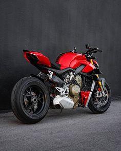 Ducati Motorbike, Moto Ducati, Moto Bike, Motorcycle Bike, Ninja Bike, Suzuki Hayabusa, Ducati Monster, Sportbikes, Custom Bikes
