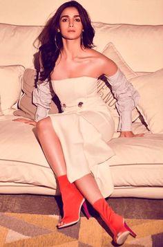 🔥 Beautiful Alia Bhatt in HD Photos WhatsApp DP Alia Wallpaper of Celebrity Alia Bhatt Photoshoot, Aalia Bhatt, Alia Bhatt Cute, Brunch Dress, Whatsapp Dp, Girls Dpz, Celebs, Celebrities, Indian Girls
