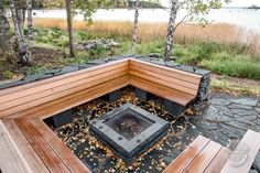 Wooden benches made for fireplace. Outside fireplace idea. Clean and minimalistic wooden design. Nuotiopaikka puisilla penkeillä. Outside Fireplace, Custom Woodworking, Finland, Firewood, Outdoor Decor, Design, Furniture, Home Decor, Woodburning
