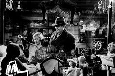 """M"" (Fritz Lang, 1932). Peter Lorre insidua la bambina."