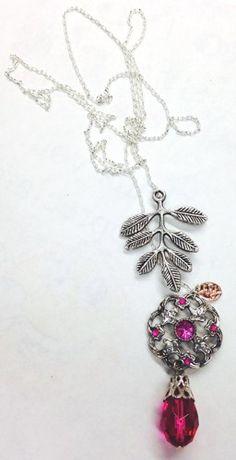 "Fuschia Sparkles 26"" Lariat Necklace | hollyshobbiesncrafts - Jewelry on ArtFire"