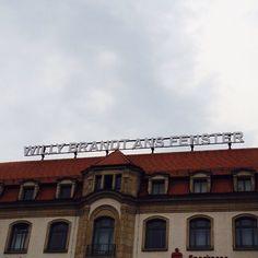 Willy Brandt ans Fenster #Erfurt #oomentour2015 #willybrandt