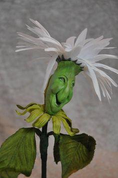Alice In Wonderland Flowers, Alice In Wonderland Decorations, Alice In Wonderland Wedding, Alice In Wonderland Illustrations, Book Illustrations, Deco Disney, Mad Hatter Tea, Classic Cartoons, Yard Art