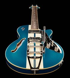 Duesenberg Starplayer Mike Campbell - 30th anniversary Heartbreaker guitar, semi hollow body, arched laminated spruce top, arched & thomann laminated flamed maple back