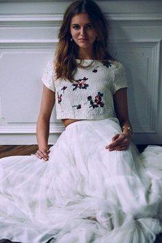 10 vestidos de novia bordados para las novias modernas 82f1b3b94331