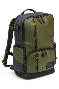 Buy a used Manfrotto Street Medium Backpack. ✅Compare prices by UK Leading retailers that sells ⭐Used Manfrotto Street Medium Backpack for cheap prices. Camera Bag Backpack, Dslr Camera Bag, Hiking Backpack, Messenger Bag, Hiking Bag, Camera Hacks, Camera Gear, Mochila Formal, Stylish Camera Bags