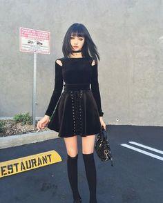 8 Cool Ways to Wear Alternative Fashion Dresses - Ninja Cosmico Dark Fashion, Grunge Fashion, Gothic Fashion, Fashion Fashion, Fashion Styles, Retro Fashion, Trendy Fashion, Fashion Brands, Gothic Outfits