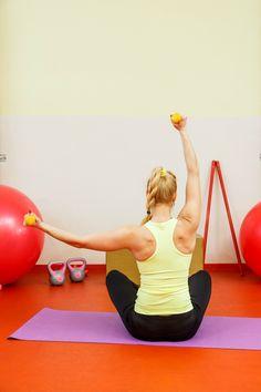 fitshaker-blog-cvicenie-chrbat-lko-v-sede Detox, Gym Equipment, Kids Rugs, Exercise, Fitness, Blog, Fresh, Natural, Plants