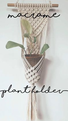 Macrame Plant Hanger Patterns, Macrame Wall Hanging Patterns, Macrame Plant Holder, Macrame Wall Hangings, Crochet Plant Hanger, Macrame Wall Hanger, Free Macrame Patterns, Macrame Design, Macrame Art