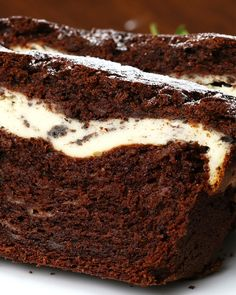 Cookies and Cream–Filled Banana Bread