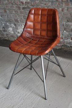 Chaise industrielle en cuir gaufré. Barak'7                                                                                                                                                                                 More