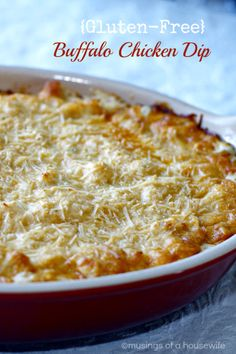 This #glutenfree buffalo chicken dip is PERFECT for your #SuperBowl Party!