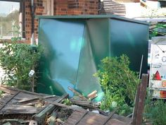 ANNEXE SHED PREVENTS RAM RAIDERS FROM STEALING VALUABLE TOOLS  We talk a lot about how the engineering and design of an Asgard sheds make them the strongest on the market but its not often we get photographic evidence of a real break in attempt. This is one of our Annexe sheds and some would-be thieves have attempted to ram raid it with a large van. As you can see there is a huge dent in the shed but we can confirm the ram-raiders did not gain entry.  The Asgard Annexe in this photo may have…