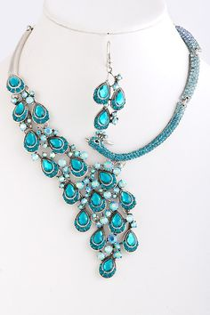 Stunning & Unique Peacock Turqouise with Teal & Blue Crystal Diamond Earring & Necklace Set