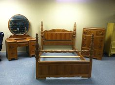 Rare Antique Art Deco Waterfall Style 1930s 3 Pc Bedroom Set  Bed, Vanity