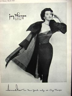 Yes, I do like DOVIMA a lot, here she is wearing a Howard Greer dress form 1952. A great designer of women's fashions!