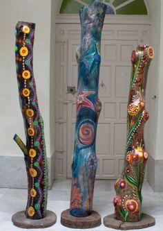 MASSAI, FONDO DE MAR y TRÓPICO. Tres troncos de gran tamaño de la colección de…