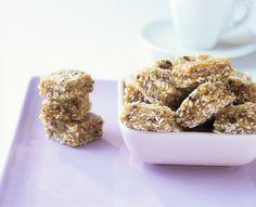 Kokos-Toffee zum Verlieben! Damit bereicherst du jedes Party-Buffet! http://eatsmarter.de/rezepte/kokos-toffee