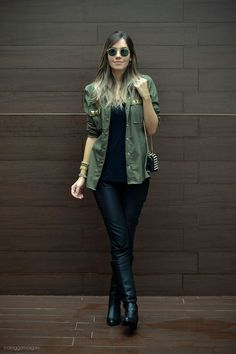 Como usar camisa verde ou parka -> atualizar o look all black roupas de inverno Style Casual, Feminine Style, Casual Chic, Casual Looks, Outfits With Hats, Casual Outfits, Cute Outfits, Fashion Outfits, Womens Fashion