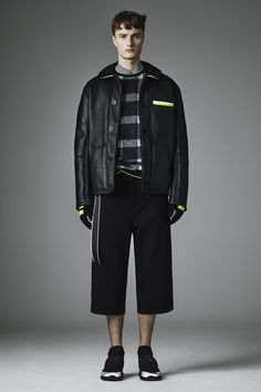 http://www.vogue.com/fashion-shows/fall-2016-menswear/christopher-kane/slideshow/collection