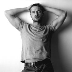 Gerard Butler with your sexy simple style