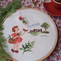 Cross Stitch Tutorial, Cross Stitch Art, Cross Stitch Designs, Cross Stitching, Cross Stitch Embroidery, Cross Stitch Patterns, Stitches Wow, Hand Embroidery Flowers, Christmas Cross
