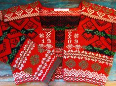 The Delsbo sweater, Hälsingland county, Sweden Dress Up Day, Swedish Style, Fair Isle Pattern, Folk Fashion, Color Shapes, Crochet Clothes, Textile Art, Twine, Knit Crochet