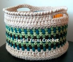 Free easy to crochet round basket pattern