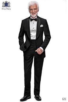 Traje de novio esmoquin italiano a medida negro en tejido new performance y solapa chal de raso negro y un boton, modelo 626 Ottavio Nuccio Gala colección Black Tie 2015.