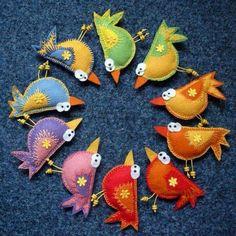 felt+birds елочные игрушки из войлока, christmas crafts, ideas for Christmas… Mais Bird Crafts, Felt Crafts, Fabric Crafts, Fabric Birds, Felt Fabric, Felt Christmas, Christmas Crafts, Christmas Ornaments, Felt Embroidery