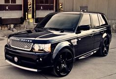 So gorgeous! Want this or the pink and white one in my driveway, ether one!