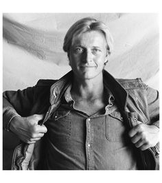 rutger hauer 1982 photo by paul huf Tyler Durden, Dutch Actors, The Hitcher, Rutger Hauer, Cinema, Streaming Hd, Best Supporting Actor, Portraits, Music Film