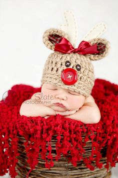 Christmas Hat ... Newborn Photo Prop ... Deer Hat ... Red Nose ... Boy ... Girl ... Rudolph the Red Nosed Reindeer SIZE NEWBORN. Need to find this pattern