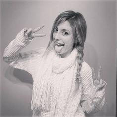 ¡Lyna! Es la mejor youtubers de mi vida Nunca nos defrauda a sí que yo nunca la voy a defrudar !!!!! Te quiero olvidar Lyna Youtube, Famous Youtubers, Best Friends Forever, Kawaii, Youtubers, Profile Pics, Chistes, Bff