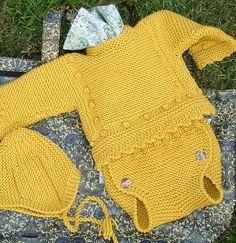 """Knit Baby Set """"Leo"""", sweater and soaker / romper; matching hat in Peruvian style (chullo) by Mira Lo Que Se. Free patterns in Spanish AND English and plenty of photos. Many lovely models. Newborn Crochet, Crochet Baby, Knit Crochet, Baby Boy Romper, Baby Dress, Knitting For Kids, Baby Knitting, Baby Boy Outfits, Kids Outfits"""