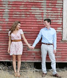 Red barn farm country engagement photography shot in Walla Walla by Gigi Hickman  www.gigihickman.com