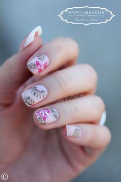 Flower Nail Design