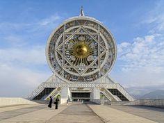 Ferris Crueler in Ashgabat, Turkmenistan