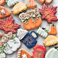 Best No Cost Thanksgiving Cookie Set Concepts Thanksgiving cookies 🎃 Thanksgiving Cookies, Fall Cookies, Iced Cookies, Cute Cookies, Royal Icing Cookies, Cookies Et Biscuits, Holiday Cookies, Fall Decorated Cookies, Holiday Treats