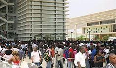 Embaixada dos EUA oferece bolsas de mestrado gratuitas para angolanos https://angorussia.com/noticias/angola-noticias/embaixada-dos-eua-oferece-bolsas-mestrado-gratuitas-angolanos/