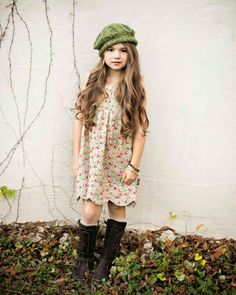 Little girl knows how to dress!! So cute!