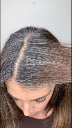 Brassy to silver hair to match her roots Check link below for detailed formula Brassy to silver hair to match her roots Check link below for detailed formula Jack Martin colorist JackMartinSalon Silver hair nbsp hellip hair videos Short Grey Hair, Short Hair Styles, Natural Hair Styles, Grey Hair Care, Grey Hair Video, Gray Hair Highlights, Gray Hair Growing Out, Transition To Gray Hair, Silver Grey Hair