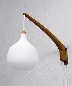 Vägglampa, Uno & Östen Kristansson för Luxus