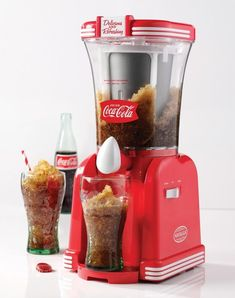 The Nostalgia 32 oz. Coca-Cola Slush Drink Maker is a gem for any Coke collector. freezing tank that creates the best frozen Cokes or other slush drinks, while the easy-flow spout dispenses that drink with smooth consisten Coca Cola Drink, Cola Drinks, Coke Slushie Recipe, Healthy Smoothies, Smoothie Recipes, Slush Machine, Salt And Ice, Drip Tray, Slushies