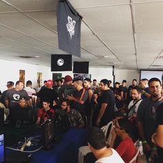 """""""Empaquetao"""" el área de torneos de #videojuegos en @nerdvanapr #NerdvanaHype. #SFV #MKX #SmashBros"""