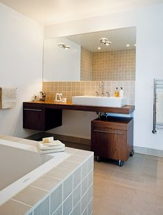 Fliser under speil Vanity, Bathroom, Inspiration, Asylum, Dressing Tables, Washroom, Biblical Inspiration, Powder Room, Vanity Set