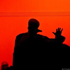 Ad Essaouira si viene per il vento che arriva dall' oceano… Ma anche per il Festival di musica Gnawa. Tutte le foto a questo link: http://viaggiefoto.wordpress.com/photo/rosso-gnawa/
